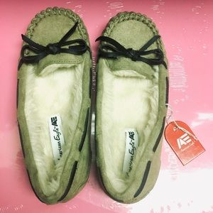 American Eagle moccasins shoes children size 11.5